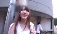 SNSを通じてAV応募して来たアイドル顔な素人娘とホテルハメ撮り!