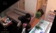 女友達を自宅に連れ込み酔わせハメた一部始終をガチ盗撮