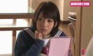 女子高生の娘とコタツでエッチする。