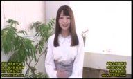 橋本奈●未似の清楚系美少女がパイパンマンコ晒して放尿→大人チンポでズボられ初イキ