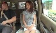 お金欲しさにAV撮影に来た素人妻が車内から早速フェラ開始