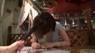 洋食店で働く爆乳すぎてTシャツはち切れんばかりの美人店員と店内ハメ!