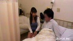 入院中の患者と彼氏のお見舞いに来た見ず知らずの男女がセックスする