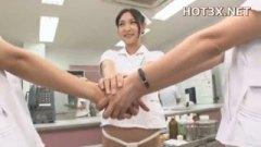 <h3>痴女ナースがふんどし着衣で患者をご奉仕?!</h3>