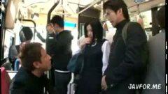 h3美巨乳女子●生がバスに乗ったら強制的フェラチオ→顔射される/h3