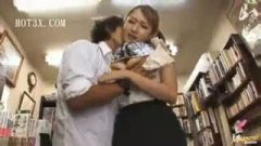 h3本屋店内で巨乳美人妻とまさかの生ハメかましたった!/h3