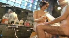 h3綺麗なお姉さんが露天風呂で手コキ&素股ご奉仕してくれた/h3