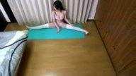 柔軟体操中の姉をマッサージで興奮させてそのまま近親相姦ハメ!