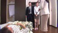 寝たきりの義父チンポを痴女って搾精する変態妻!