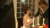 結婚式当日に会場裏で元カレと生ハメSEXしちゃう巨乳人妻