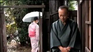 茶道の先生が着物熟女の尻だけまくってハメまくりながらお茶をたてさせる